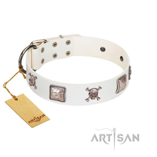 """Pirate Sloop"" Handmade FDT Artisan Designer White Leather Rottweiler Collar with Crossbones"