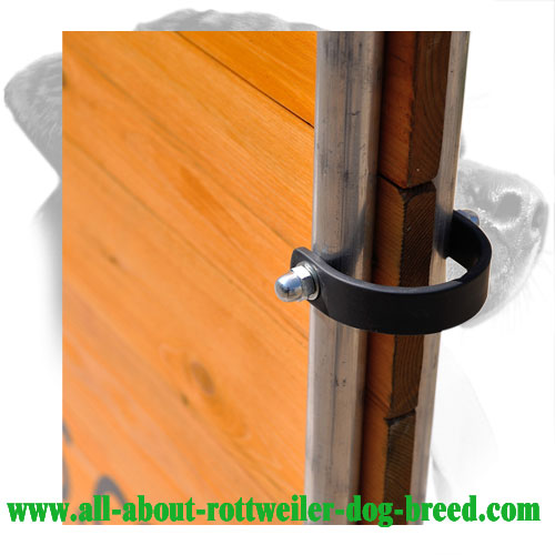 Comfortable Handle of Wooden Rottweiler Barrier