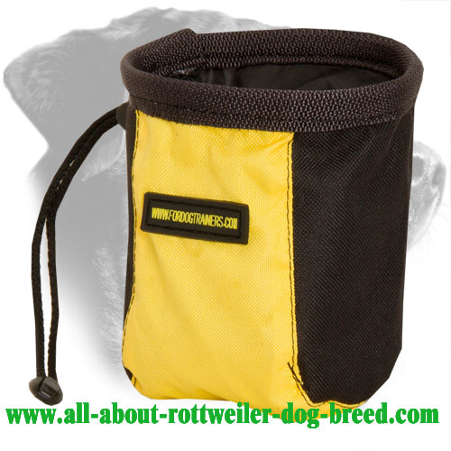 Nylon Rottweiler Treat Bag Equipped with Pull-Cord