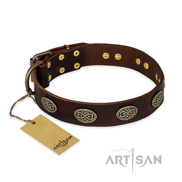 Handy use genuine leather collar with decorations for your canine
