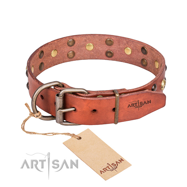 Leather dog collar with worked out edges for pleasant daily use